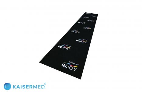 Werbematte PromoRunner Soft mit individuellem Logo der Firma INJOY - Schwarzer bedruckter Teppich mit buntem Logo