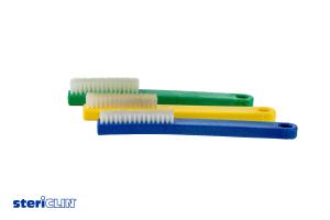 3 Instrumentenbürsten mit weißen Borsten und blauem, gelbem und grünem Kunststoffgriff